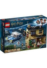 Revivez un des moments les plus excitants de la saga grâce au nouveau <b> Lego Harry Potter Nº 4 de Privet Drive </b>! Procurez-vous ce passionnant kit avec lequel vous pouvez revivre l'une des scènes les plus amusantes et les plus émouvantes de la série des Harry Potter. Collez chaque bloc pour recréer la maison reconnaissable des Dursley, c'est un endroit où Harry Potter passe ses vacances scolaires et son ami Ron veut le libérer. Sentez la magie d'un incontestable moment et profitez avec tous les protagonistes d'une scène aussi inoubliable! Âge recommandé: + 8 ans. Le kit est composé de: 1 mini-figurine Vernon Dursley, 1 mini-figurine Petunia Dursley, 1 mini-figurine Dudley Dursley, 1 mini-figurine Ron Weasley, 1 mini-figurine Harry Potter, 1 mini-figurine Dobby, 1 figurine hibou Hedwig, 1 maison du nº 4 de Privet Drive avec l'armoire d'Harry Potter sous les escaliers, la cheminée pour les lettres, 1 voiture de Ron Weasley et beaucoup plus d'accessoires. Nombre total de pièces: 797 pièces. Hauteur approximative de la maison: 17 cm de haut, 16 cm de large et 12 cm de profondeur. Longueur approximative de la voiture: 12 cm de long. Dimensions approximatives de la figurine Dobby: 3 cm de haut, 2,5 cm de large et 0,6 cm de profondeur.
